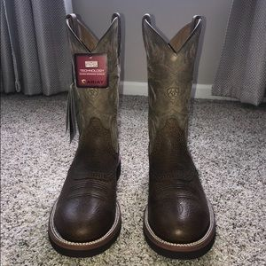 (Brand new) Ariat Heritage cowboy boots